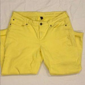 GAP yellow Capris